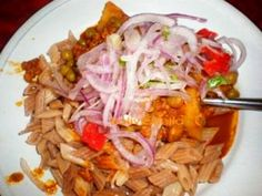 THIS SAICE IS MADE WITH NOODLES. SOME EAT SAICE WITH RICE. Saice is from Tarija. You'll need:  1 pound beef (from the hip area) ½ cup oil 1 cup green peas, peeled 2 cups white onion, finely chopped 1 cup tomato,