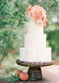 Simplistic cake design.