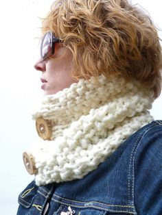 Free Shipping  Womens Cream Cowl  Hand knitted by moaningminnie, $39.50