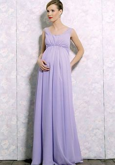 What To Look For In Maternity Bridesmaids' Dresses. #bridesmaids #maternity