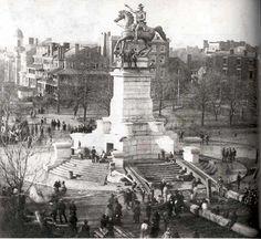 Erecting the Washington equestrian statue in Captial Square 1858.