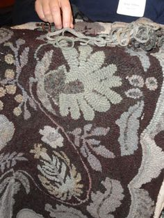 Katie's  workshop rug.   Love the 2 color scheme.....