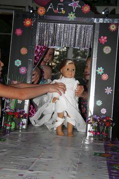 American Girl Doll Play: An American Girl Birthday Party! Fashion Show