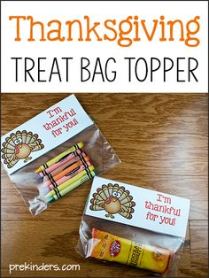 Free printable Thanksgiving treat bag toppers: a fun, simple gift to put together for your students, kids, friends, parties. An easy gift for classes, ...