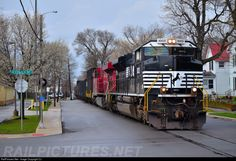 RailPictures.Net Photo: NS 1003 Norfolk Southern EMD SD70ACe at Warsaw, Indiana by CJ