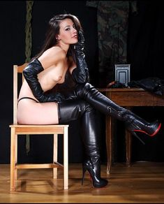 I love Female Domination,latex.leather,BDSM and many more. Sexy Boots, Cool Boots, Leather Corset, Leather Boots, Stiletto Boots, Heeled Boots, Boots And Leggings, Louboutin, Sexy High Heels