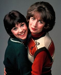 In the final episodes, Cindy Williams refused to appear and Shirley was played in several episodes by another actress bandaged from head to toe, the character supposedly having been injured.