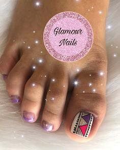 Pedicure 💖 📲 pide tu cita 3122823142 by toro Creadora Cute Pedicure Designs, Manicure Nail Designs, Toe Nail Designs, Manicure And Pedicure, Cute Toe Nails, Toe Nail Art, Cute Pedicures, Glow Nails, Glamour Nails