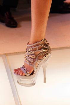 Runway Shoe Trends for Spring Summer 2012