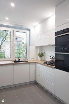 Home Kitchen Design Meble kuchenne House Cortinas Krayon Room Cabinetry Kitchen Room Design, Small Space Kitchen, Modern Kitchen Design, Kitchen Layout, Kitchen Interior, Home Interior Design, Kitchen Designs, Kitchen Doors, White Kitchen Cabinets