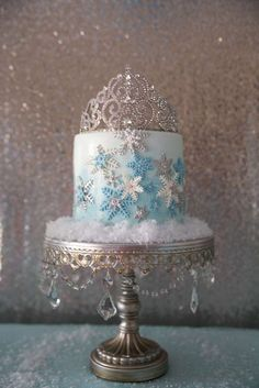 Pretty cake at a Frozen birthday party! See more party planning ideas at… Winter Birthday Parties, Disney Frozen Party, Frozen Birthday Cake, Frozen Theme Party, Disney Birthday, Frozen Birthday Party Supplies, Birthday Ideas, 25th Birthday, Birthday Cakes