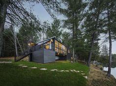 Cross-Laminated-Timber Cottage / Kariouk Associates