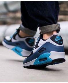 wow,its so cool http://www.air90max.nl/nike-air-max-90-ultra-essentiele-eskader-blauwe-wolf-grijs-heren-loopschoenen #Women'sWOWShoes