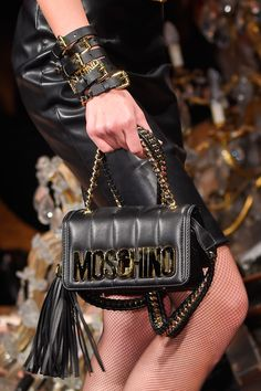 Moschino at Milan Fall 2016 (Details)