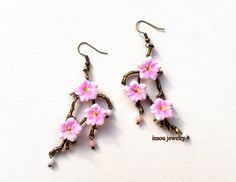 Sakura earrings #sakurajewelry #sakura #cherryblossom #floralfashion #flowerjewelry #flowerearrings #flowers #pink #pinkjewelry #pinkearrings #pinkflowers #springjewelry #spring #etsy #etsyseller #etsyfashion #fashionearrings #romanticjewelry #insoujewelry