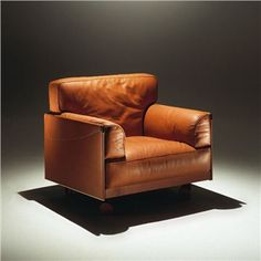 Poltrona Frau Twice Armchair - Flexform & Contemporary Furniture Atlanta | SwitchModern