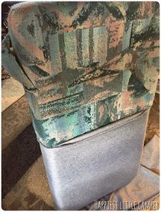 Read this! Covering old, nasty camper cushions with a new clean look! Camper Life, Rv Campers, Camper Trailers, Happy Campers, Travel Trailer Camping, Tent Camping, Camper Hacks, Camper Ideas, Rv Hacks