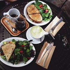 I just want lucnh @ Urth Cafe.. Please!?