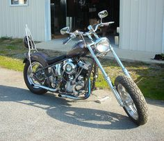 Had a sissy bar just like this one back in the day, with a p-pad on the fender!