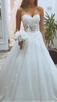 Fantasy Wedding Dresses, Wedding Dresses Near Me, Wedding Dress With Veil, Wedding Dress Trends, Wedding Dress Styles, Wedding Gowns, Boho Wedding, Bridal Gowns, Desi Wedding