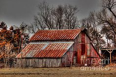Old Barns Art - Red by Thomas Danilovich Wooden Barn, Rustic Barn, Red Barn Painting, Building Painting, Watercolor Barns, Country Barns, Country Houses, Country Life, Barn Photography