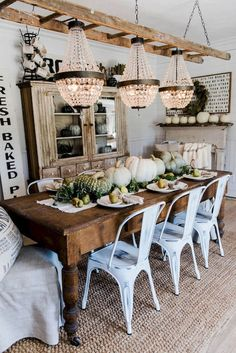 Farmhouse Style Dining Room Table and Decor Ideas (7) #homeimprovementthanksgiving