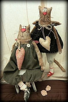 Photo album Леналена Лена by user нет названия...... on Odnoklassniki Primitive Doll Patterns, Primitive Crafts, Mouse Crafts, Quirky Art, Fabric Toys, Cat Doll, Doll Maker, Doll Clothes Patterns, Handmade Toys