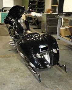 """Stratoliner with 2.50"""" true-dual sharktail exhaust by Freedom Performance Bagger Motorcycle, Yamaha Motorcycles, Cars And Motorcycles, Road King Classic, Cycle Ride, Old School, School Stuff, Cool Bikes, Furniture Making"""