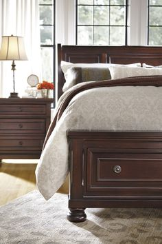 More gorgeous Marsala undertones! Wouldn't the Porter bed look stunning with wine-colored bedding? It would bring out even more of the bed's rich finish for sure.