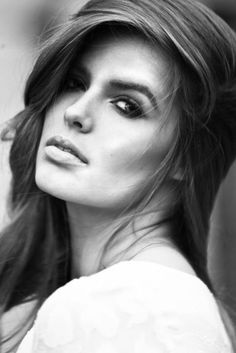 A new headshot of Plus Model Robyn Lawley, November 2011.    Robyn Lawley is signed with Wilhelmina Models' W Curve, Bella Model Management, OKAY Models, and Milk Management.