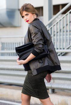 JACKETS FASHION Estilo Blogger, Jacket Style, Leather Skirt, Goth, Jackets Fashion, Womens Fashion, Skirts, Model, Fall 2016