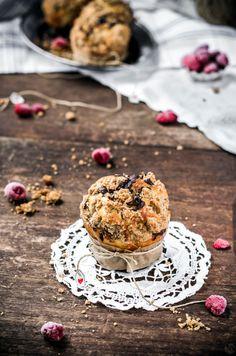Individuelle Marmorierte Kuchen mit Himbeeren, Ricotta und Streusel {perfekt für Ihre Valentine}