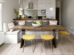 Amazing and Comfortable Minimalist Dining Room Design Ideas – Design & Decor Ideas Dining Table With Bench, Kitchen Benches, Kitchen Dining, Kitchen Corner, Built In Dining Room Seating, Kitchen Island With Bench Seating, Kitchen Booths, Square Kitchen, Dining Tables