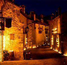 Escapa del jaleo y calor de Madrid el sábado y ven a La noche de las velas en Pedraza y trasládate a la época medieval en una noche única en todo el año. Entra en Yuniqtrip e infórmate! Buen comienzo de semana yuniquers!! #Pedraza #nochedelasvelas #medieval #medievaltimes #historia #turismomadrid #ocio #regala #regalazo #compartir #comparte #monumentalspain #experiencia #experiencias #yuniqtrip #experienciasenunclick #visitspain #segovia #tradicion #cultura #viajando #quehacer #finde
