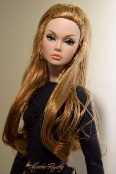 I don't have a Poppy Parker yet - and I want one! Beautiful Barbie Dolls, Vintage Barbie Dolls, Fashion Royalty Dolls, Fashion Dolls, Realistic Barbie, Poppy Doll, Glamour Dolls, Poppy Parker, Barbie Collector