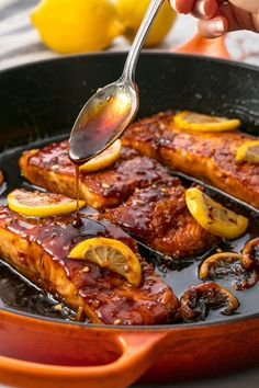 Healthy Dinner Idea for Two- Honey Garlic Glazed Salmon. The most addicting salmon recipe ever. Garlic Salmon, Honey Salmon, Salmon Skin, Weeknight Meals, Easy Meals, Healthy Dinner Recipes, Cooking Recipes, Healthy Dinners, Food Dinners