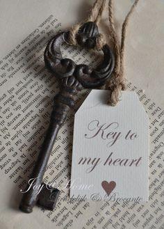 Skelton key to my heart Under Lock And Key, Key Lock, Antique Keys, Vintage Keys, Key To My Heart, Heart Art, Cles Antiques, Shabby, Old Keys