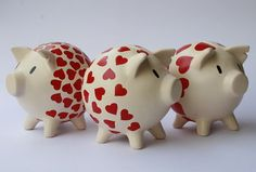 chanchitas alcancias - Buscar con Google Pig Bank, Personalized Piggy Bank, Decoupage, Cute Piggies, Pasta Flexible, Ceramic Painting, Diy And Crafts, Pottery, Baby Shower