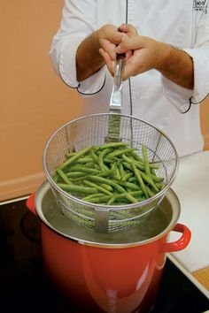 How to blanch vegetables before you freeze them