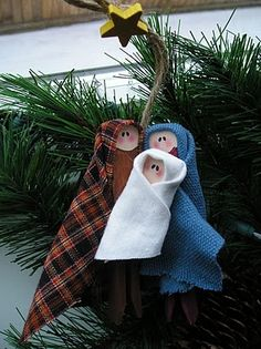 Homemade Nativity Christmas Tree Decoration.  I would make these with clothes pins, fabric scraps, and a permanent marker for the faces.   So simple.