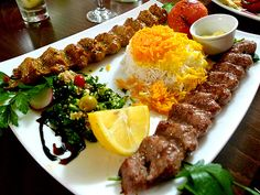 persian food Kebab with rice Iran Food, Iranian Cuisine, Kebab Recipes, Salad Recipes, Eastern Cuisine, Mediterranean Dishes, Exotic Food, Turkish Recipes, Persian Recipes