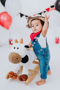 Photo from Levi's Cake Smash collection by Little Mustard Seed Photo