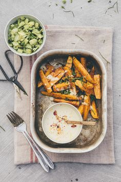 Sweet potato wedges and a plant-based cashew lemon dip sauce. Diet Recipes, Vegetarian Recipes, Cooking Recipes, Healthy Recipes, Healthy Snacks, Healthy Eating, Sweet Potato Wedges, Food For Thought, Food Videos