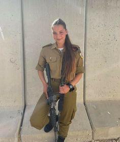 Military Women, Military Jacket, Israeli Girls, Hero World, Female Soldier, Girls Uniforms, Armada, Glamour, Superhero