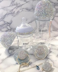 Glamorous Swarovski Crystal Avent Nursing Bottle - Our Exquisite Avent Swarovski Crystal Gift Set is a wonderful gift for a newborn. Create your own u - Baby Bling, Baby Necessities, Crystal Gifts, Baby Arrival, Baby Hacks, Baby Decor, Baby Accessories, Baby Sleep, Baby Items