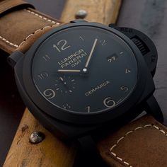 Do you like the numbers all the way around in this #panerai PAM441 ceramic Luminor? Pic by @wilmsenm #paneraicentral Panerai