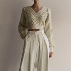 Ideas for minimalistic and chic outfits top Airport Outfits Casual Chic Ideas minimalist minimalistic outfits outputs top Look Fashion, Winter Fashion, Fashion Outfits, Womens Fashion, Fashion Tips, Trendy Fashion, Prom Outfits, Christmas Fashion, Vogue Fashion