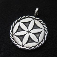 Silver Svarga pendant from The Sunken City by DaWanda.com