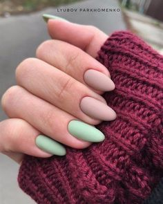 Try some of these designs and give your nails a quick makeover, gallery of unique nail art designs for any season. The best images and creative ideas for your nails. Gradient Nails, Cute Acrylic Nails, Holographic Nails, Matte Nails, My Nails, Rainbow Nails, Matte Gel, Grow Nails, Nude Nails