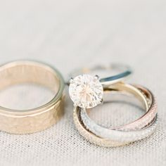 Classic round solitaire | Four-prong platinum setting | Photo by www.erichmcvey.com